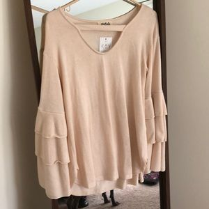 NWT Listicle ruffled bell sleeve sweater
